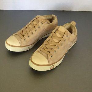 UGG Evera sneaker